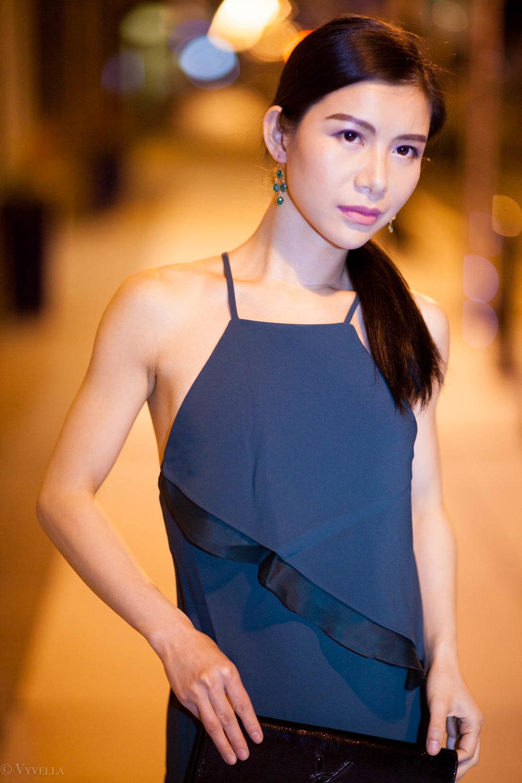 looks_emerald-ruffled-dress_07.jpg