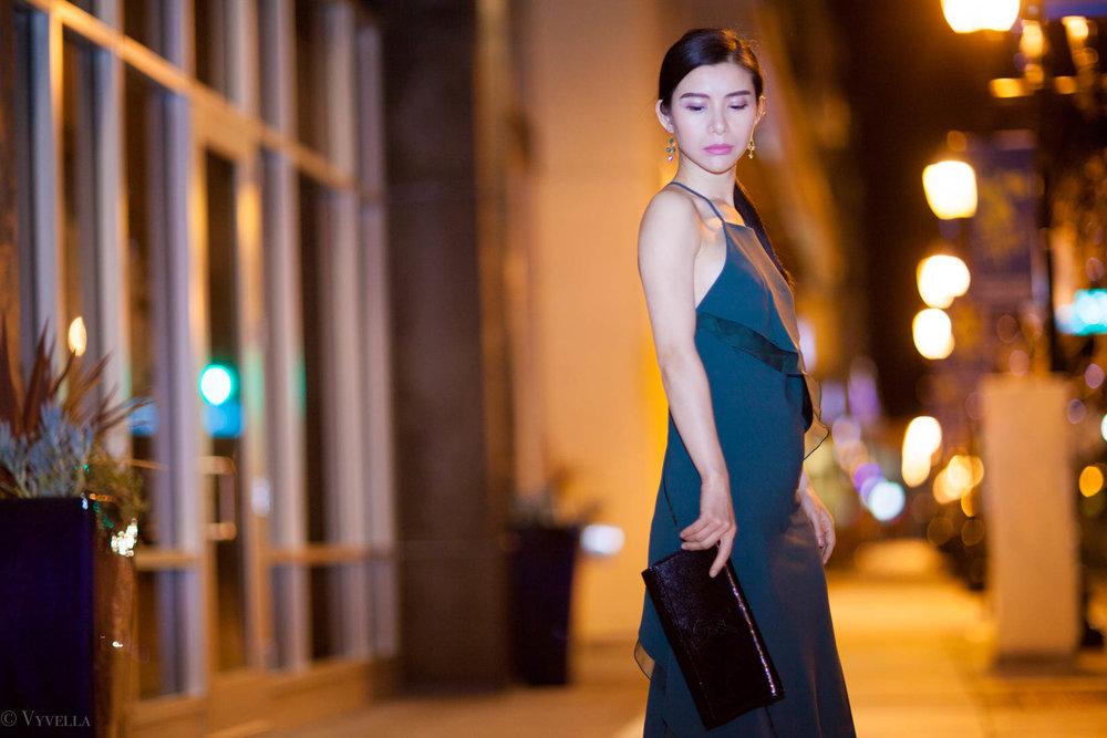 looks_emerald-ruffled-dress_11.jpg