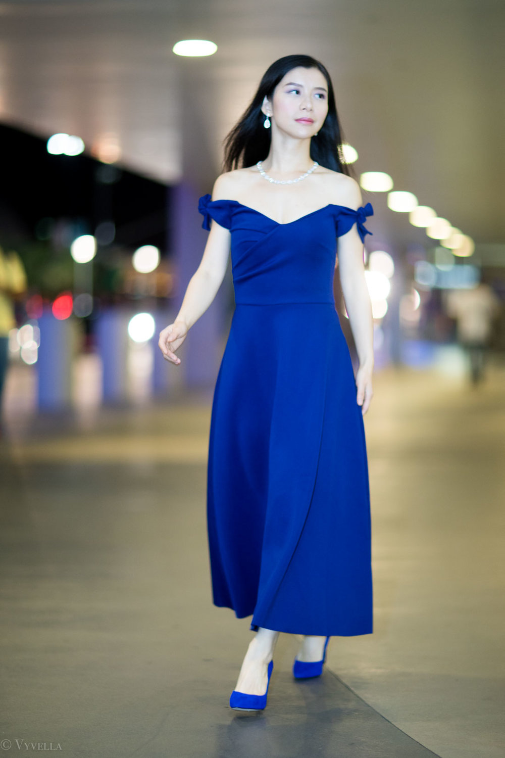 looks_royal-blue-off-the-shoulder-dress_01.jpg