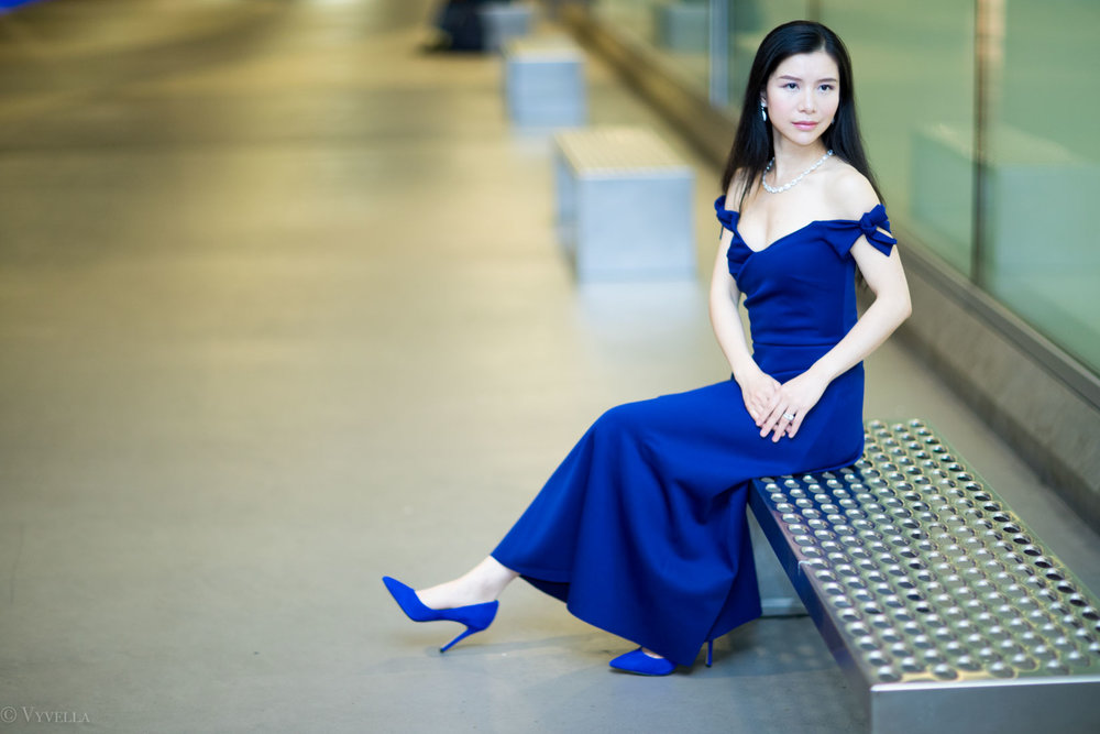 looks_royal-blue-off-the-shoulder-dress_12.jpg