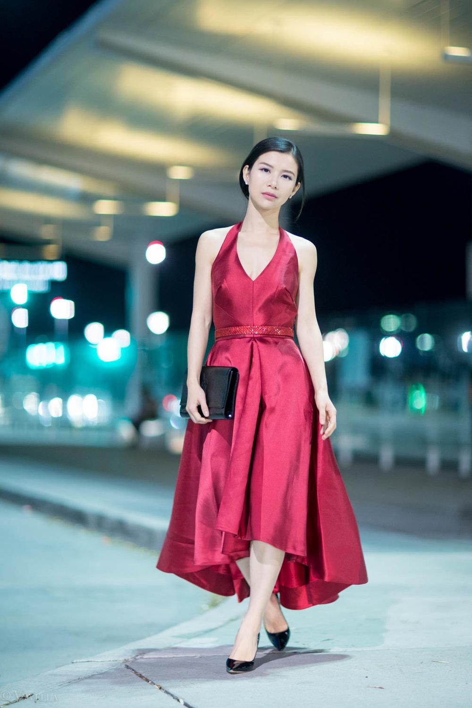 looks_red-high-low-halter-dress_12.jpg