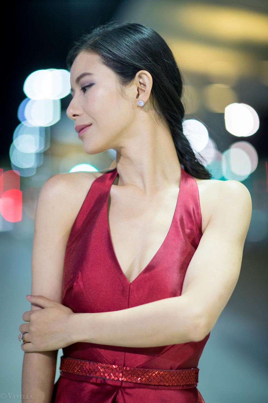looks_red-high-low-halter-dress_13.jpg