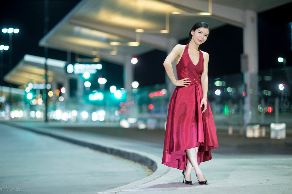 looks_red-high-low-halter-dress_17.jpg