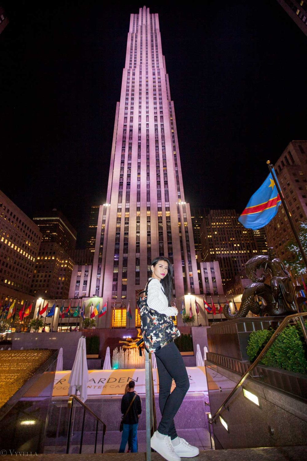 travel_night-at-rockefeller-center_01.jpg