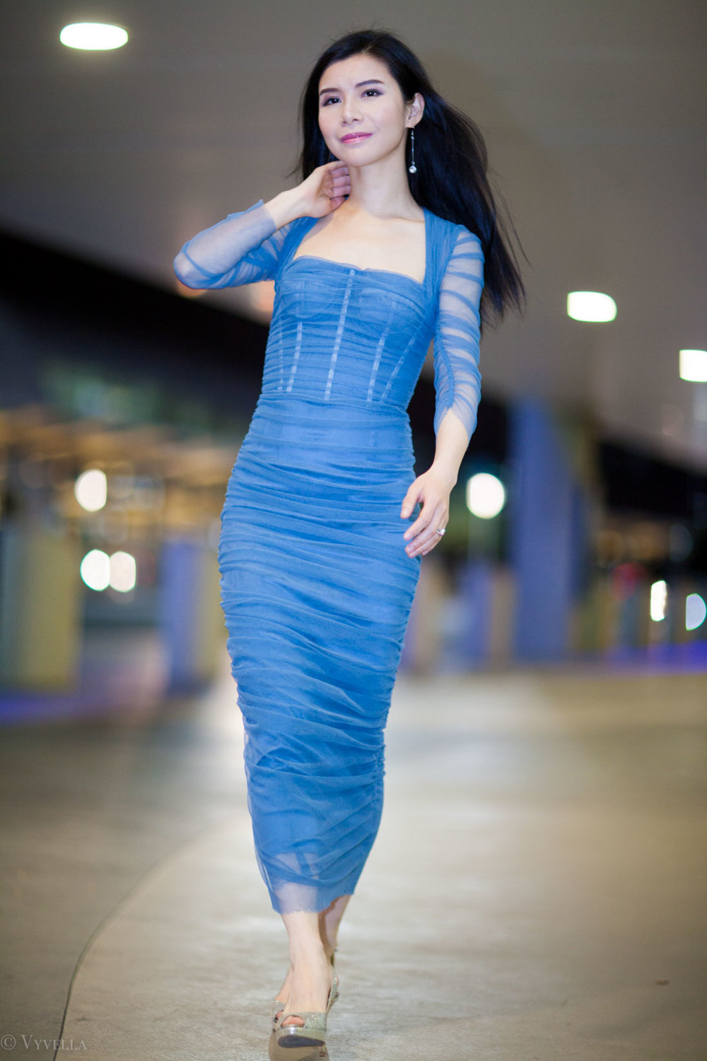 looks_petrol-blue-dress_01.jpg