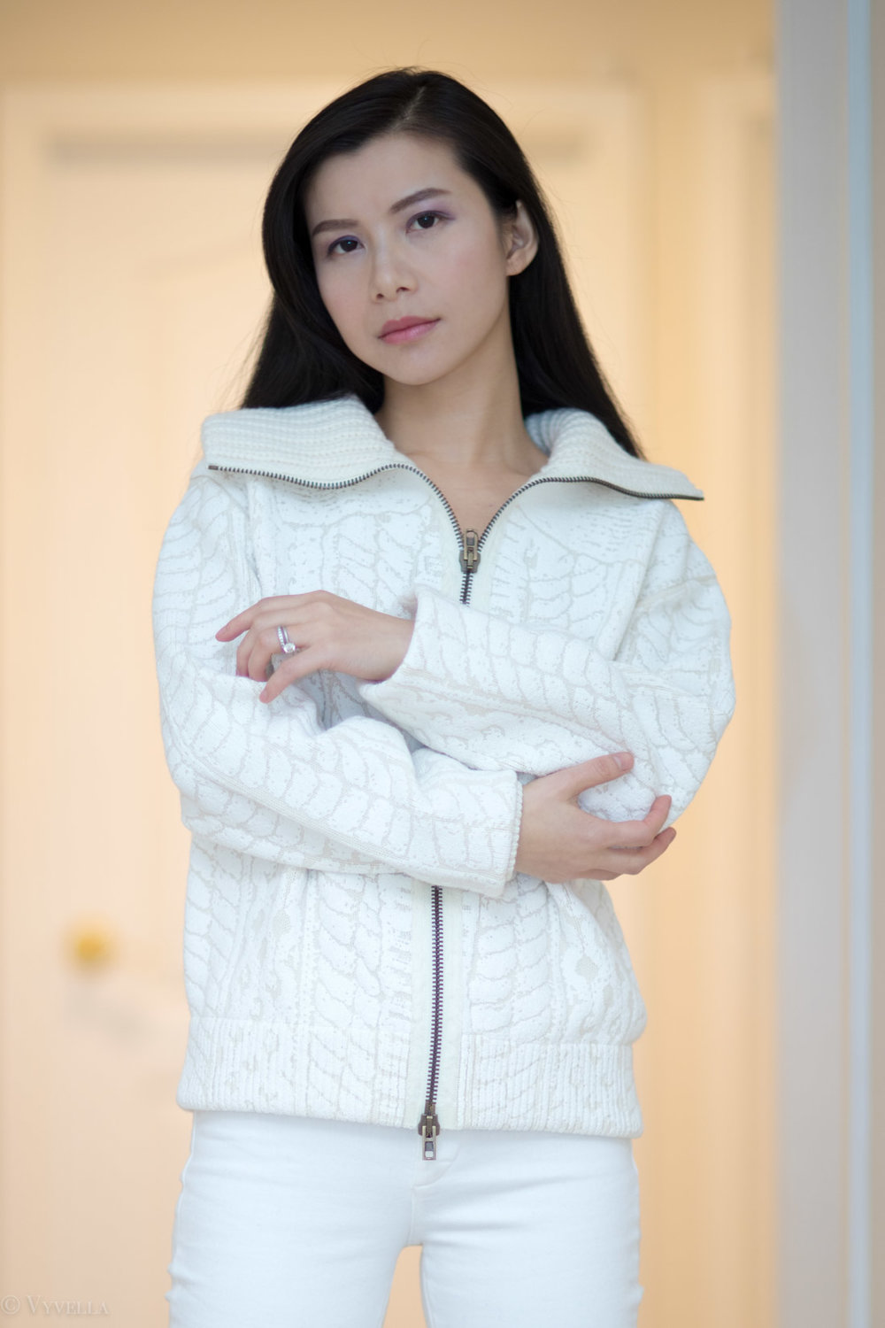 looks_winter-white-chunky-knit_06.jpg