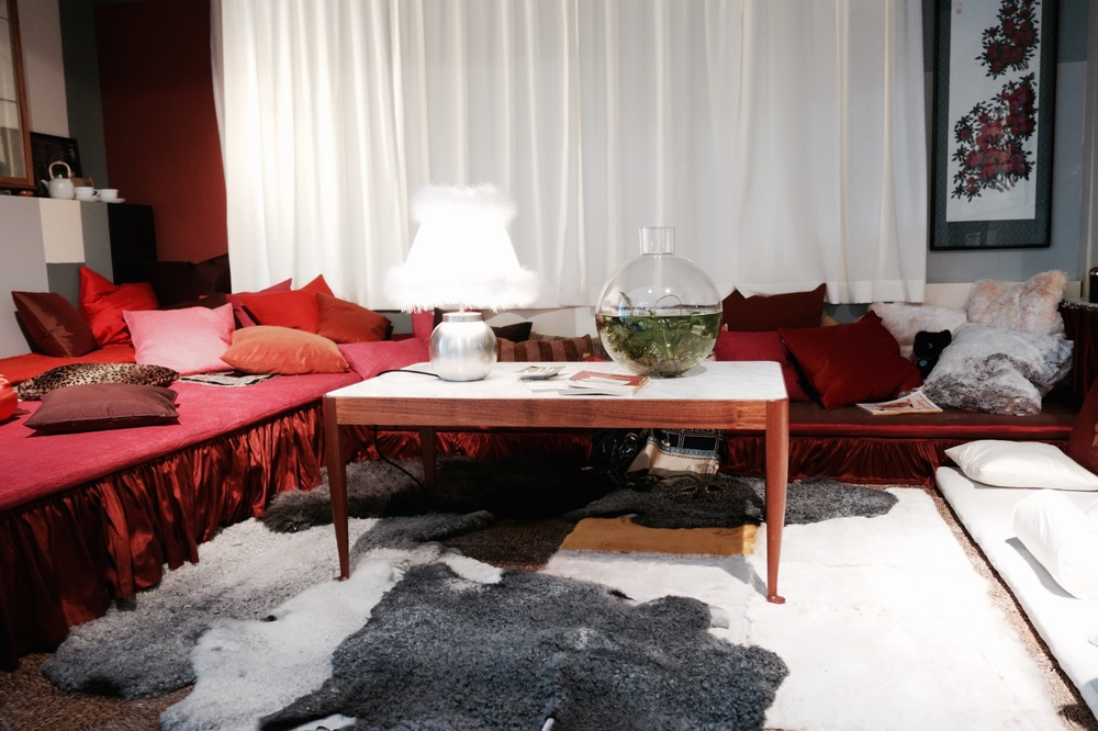 Architects Mikael Bergquist and Olof Michrélsens take on Josef Franks Boudoir.
