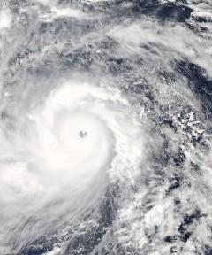6 - Haiyan_2013-11-07_0425Z_small.jpg