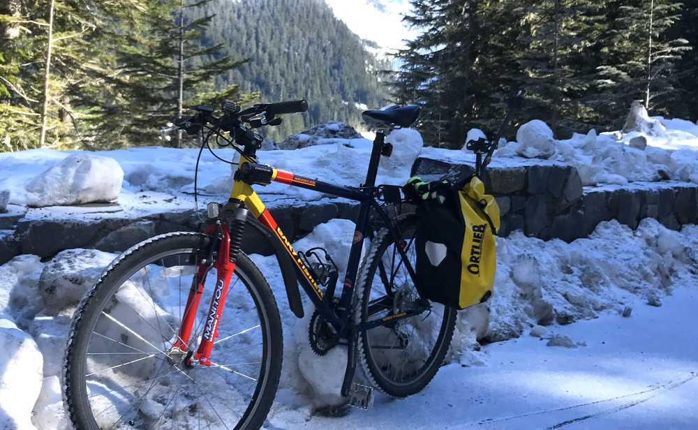 a frosty start for the 2600 foot climb from Longmire to Paradise