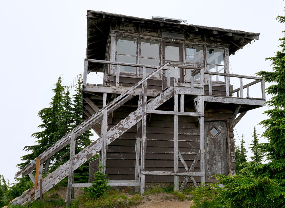 The weathered Shriner Peak Lookout (5834')