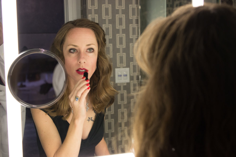 red-lipstick-mirror.jpg