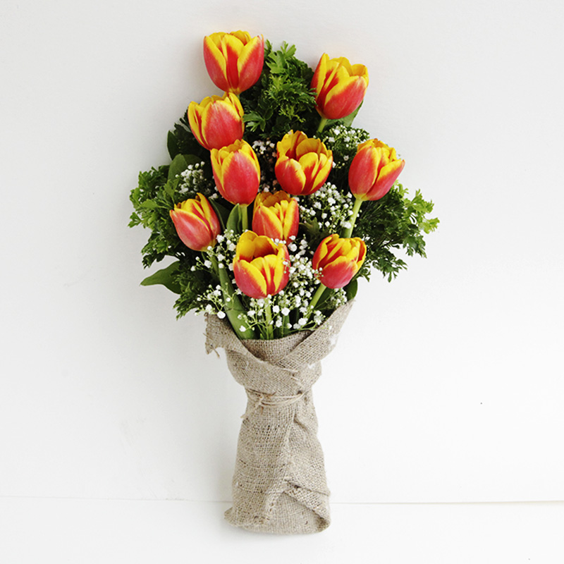 PRICE: SGD 81   (Source: ABetterFlorist.com)