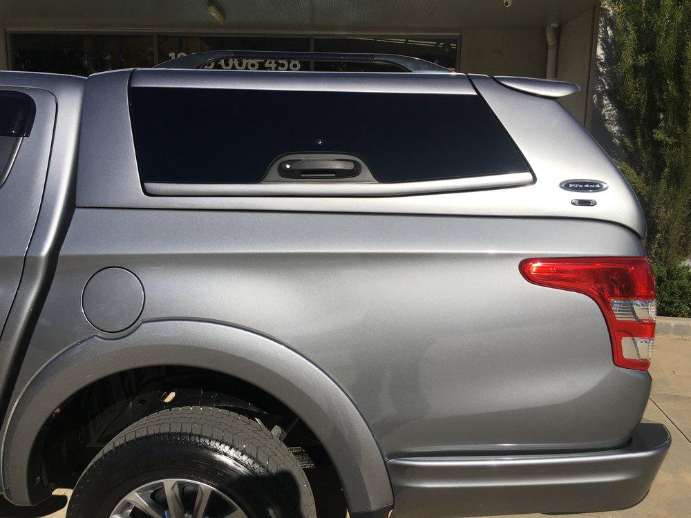 Mitsubishi Triton ELITE_Titanium Grey (5).JPG