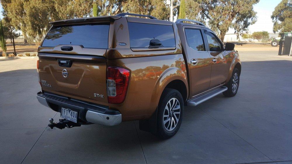 Nissan NP300 ELITE Canopy_Hornet Gold (6).JPG