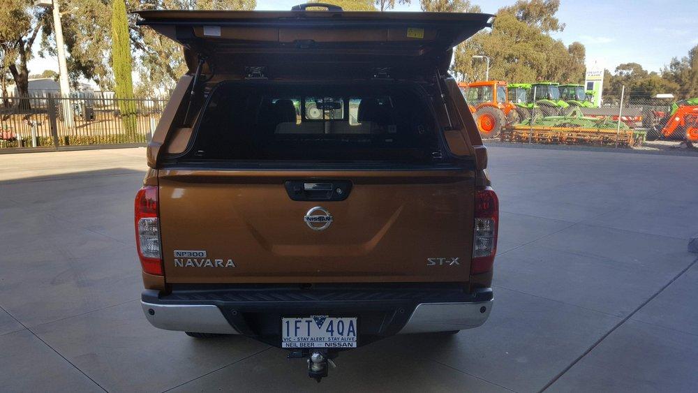 Nissan NP300 ELITE Canopy_Hornet Gold (7).JPG