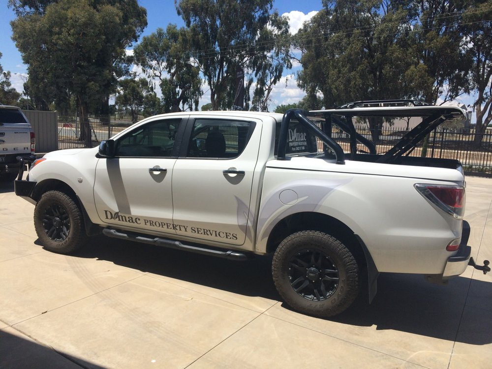 Mazda BT50 Top Up Lid with OEM styling bars White 7.JPG
