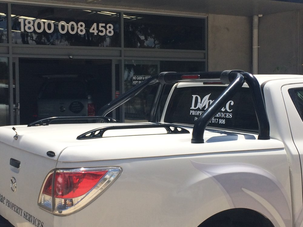 Mazda BT50 Top Up Lid with OEM styling bars White 12.JPG