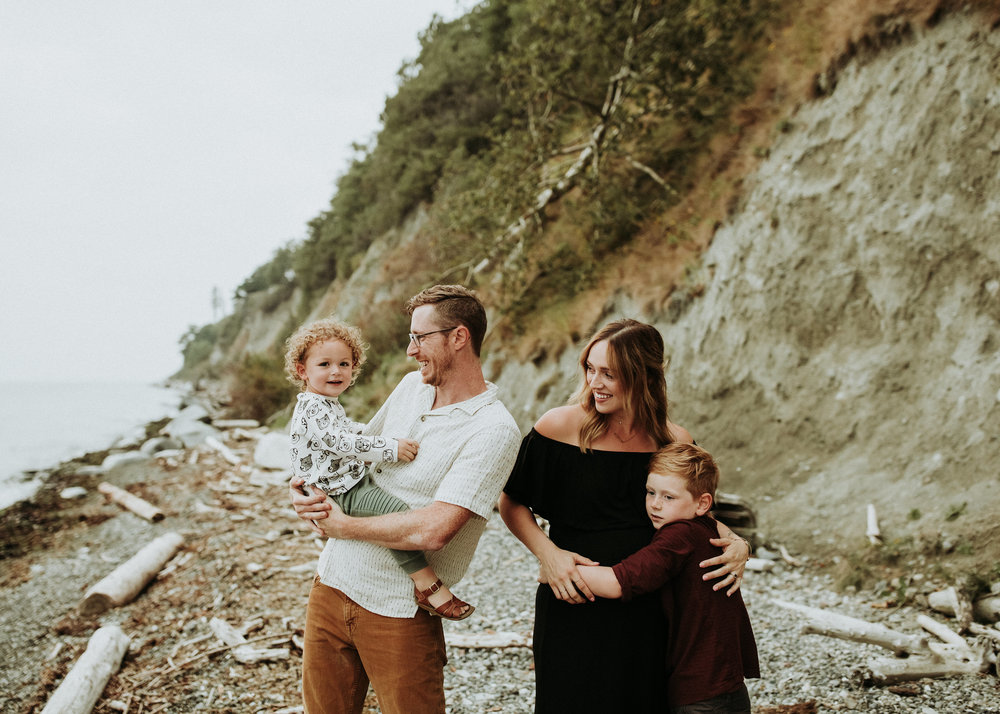 Family-Photographer-Bellingham-Wa-Brianne-Bell-Photographer-(Vos)