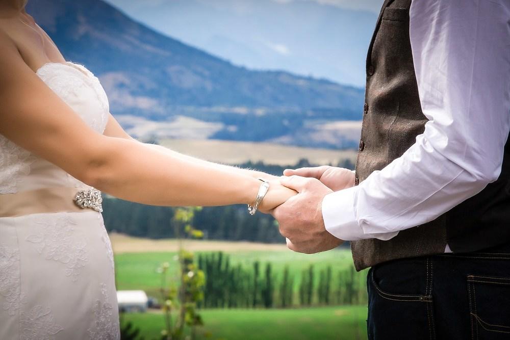 criffel-woolshed-wanaka-wedding-27.jpg