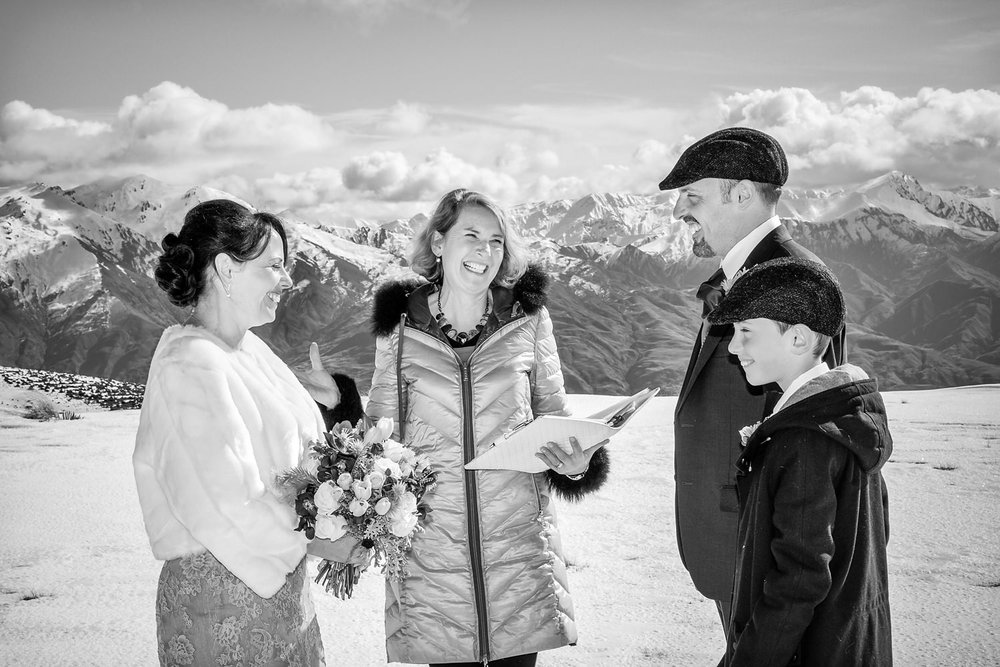 wanaka-elopement-wedding-photographer-03.jpg