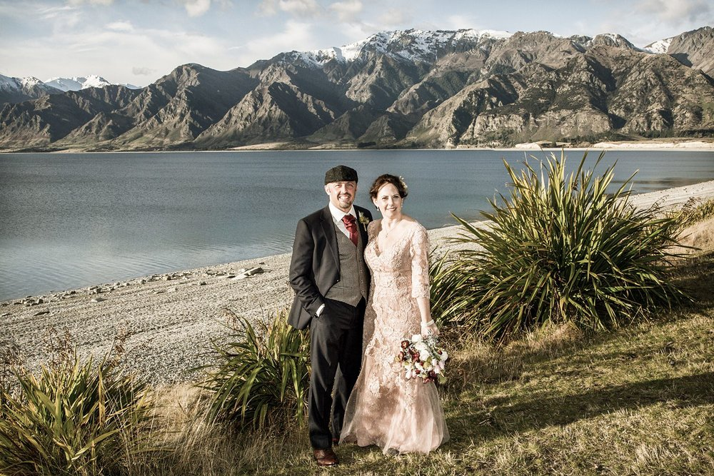 lake-hawea-elopement-wedding-photographer-02.jpg