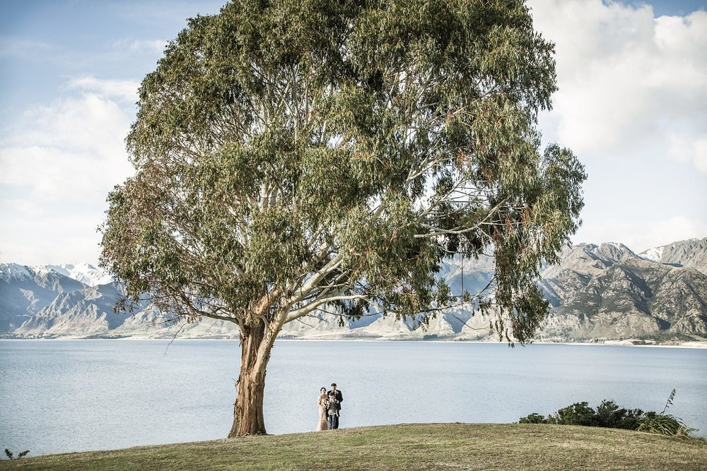 lake-hawea-elopement-wedding-photographer-04.jpg