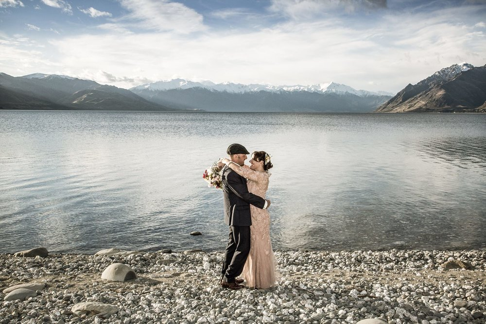 lake-hawea-elopement-wedding-photographer-11.jpg