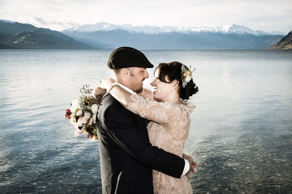 lake-hawea-elopement-wedding-photographer-12.jpg