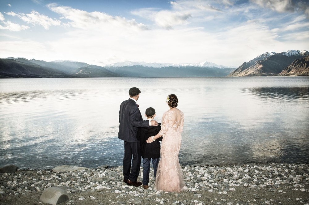 lake-hawea-elopement-wedding-photographer-21.jpg