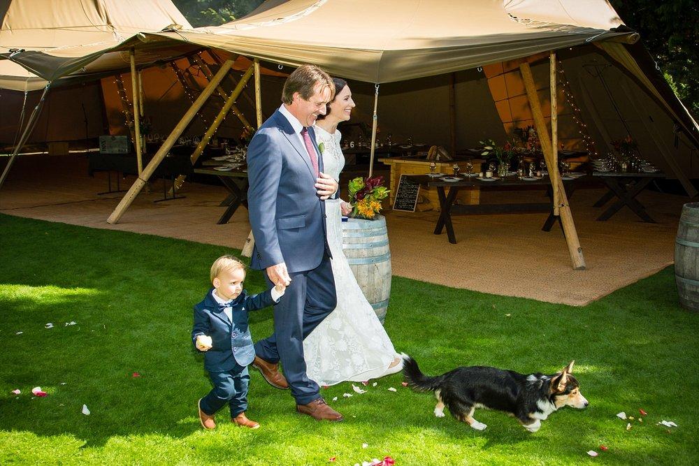 08-arrival-of-bride-and-groom.jpg