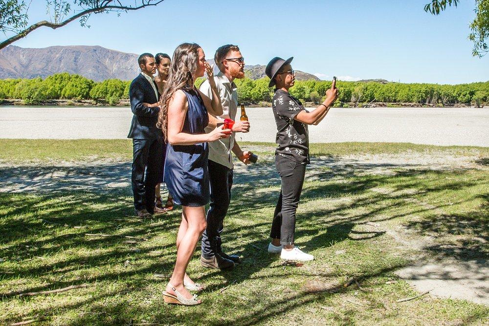 03-wedding-guests-watch-ceremony.jpg