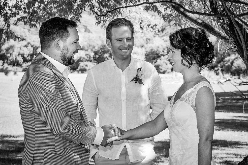 05-elopement-wedding-ceremony.jpg