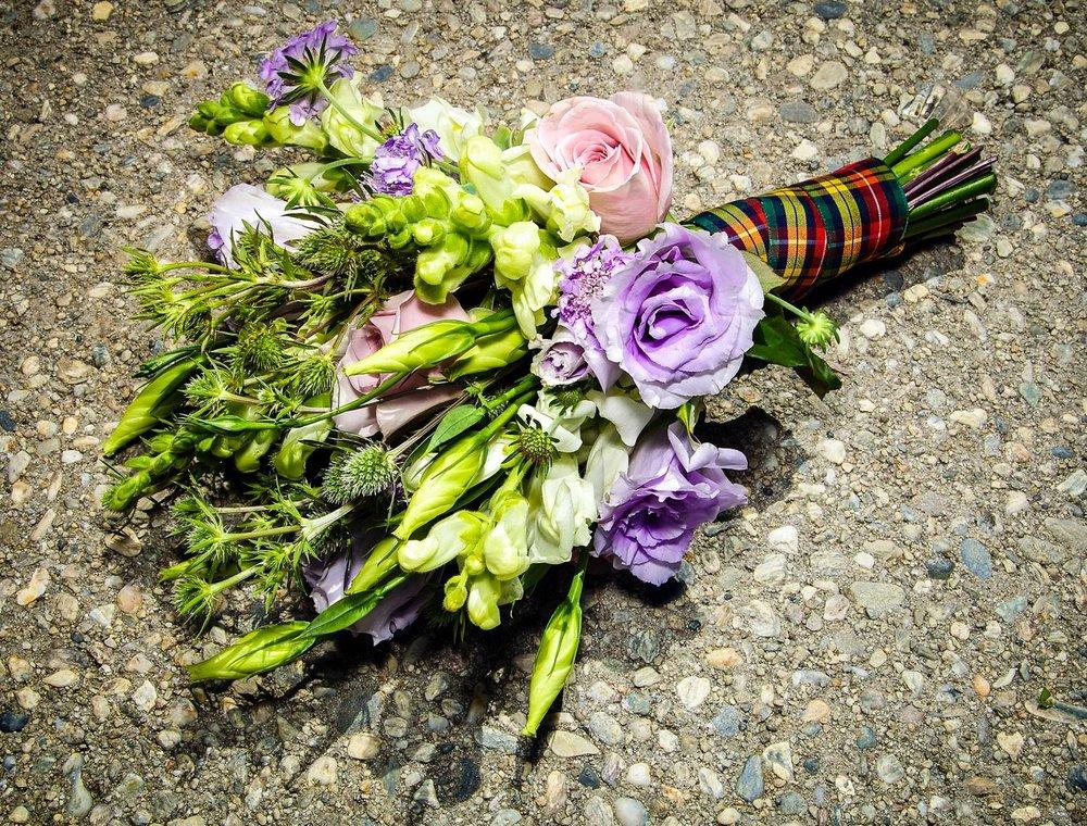 11-elopement-bouquet-ideas.jpg