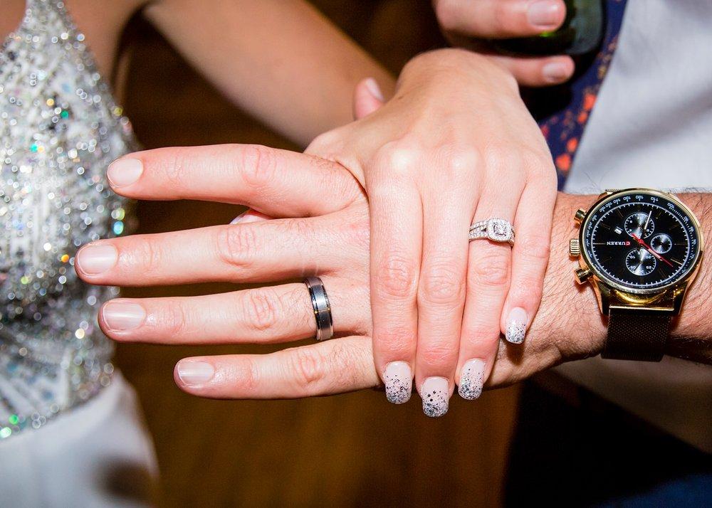 Wedding rings | Glendhu woolshed wedding venue | Photography by Fluidphoto