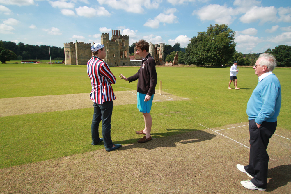 OCCC vs Midhurst the toss.jpg