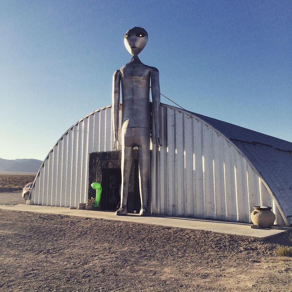 _ufo__researchcenter__extraterrestrialhighway.jpg