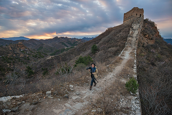 (On Jinshanling section of the Great Wall at sunrise, April 02, 2016.)