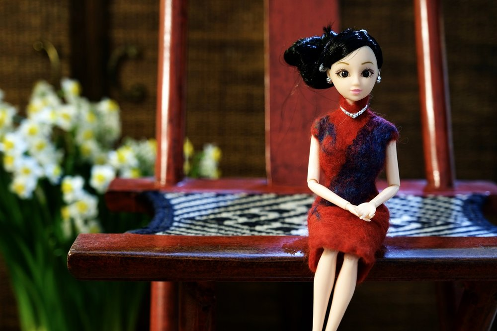Little Cheongsam doll born in an industrial building in Ap Lei Chau,  Hong Kong on the 4th day of the Chinese New Year. 红色长衫妞妞年初四诞生在香港鸭脷洲的一座工业大厦里。