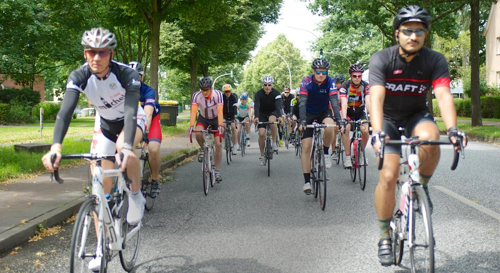 Ride Better Together.   Pimp your ride.Egal ob Du Dich sportlich verbessern willst,entspannt den Kopf frei kriegen oder die Natur genießen willst -in der Gruppe erreichst Du Deine Ziele einfacher.   Jetzt starten