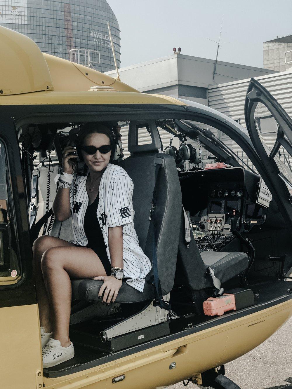 - Visite de Paris en hélicoptère