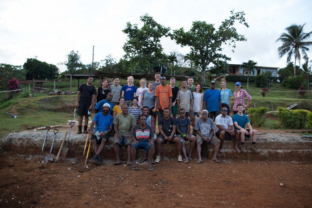 Vivili volunteers with some of the locals ready to start work on the first day!