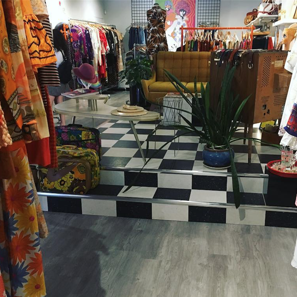 Bellwethers Vintage (9 Florence St) - Finding the perfect vintage item is an experience. Just off of Bank Street you'll find Bellwethers Vintage, a special little boutique.