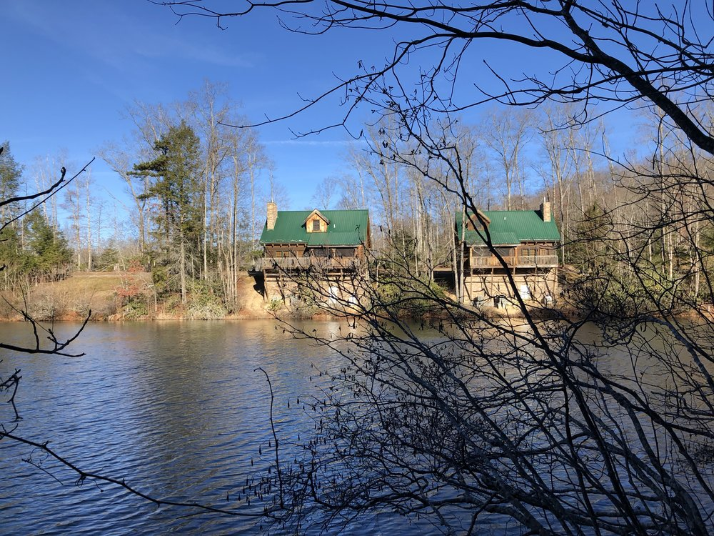 Lakeside Cabins at Breaks Interstate Park