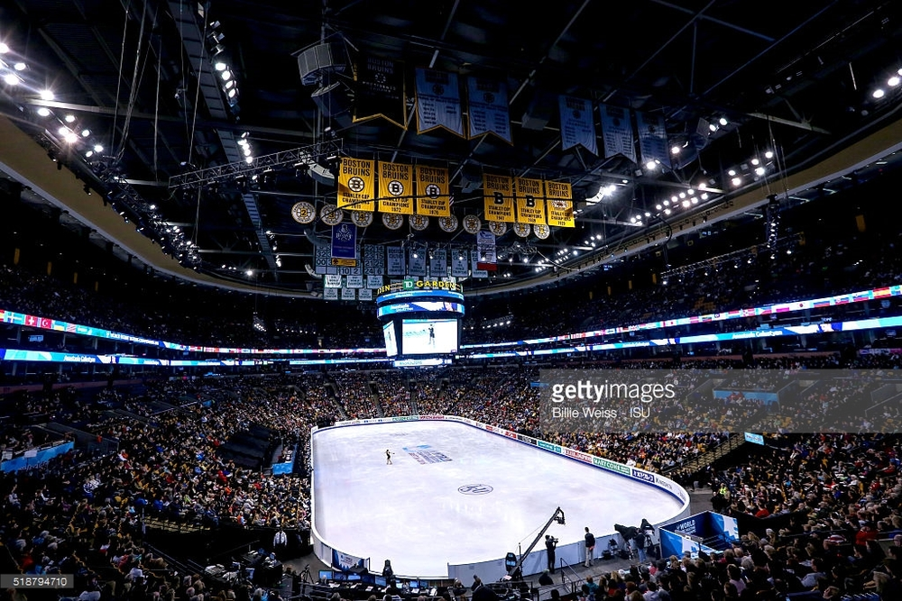 The sellout crowd at TD Garden Saturday for the women's final at the World Figure Skating Championhips.  (Billie Weiss / Getty Images)