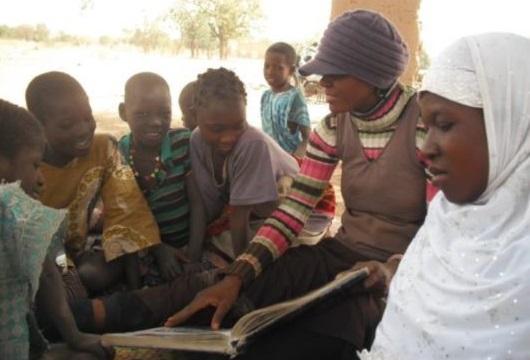 Burkina-GanzourgouDoc-autourLivrePres3-531x400.jpg