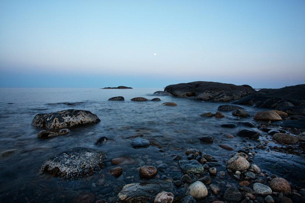 FD_IMG_8126_canada_quebec_pentecote_moon_rocky_coast