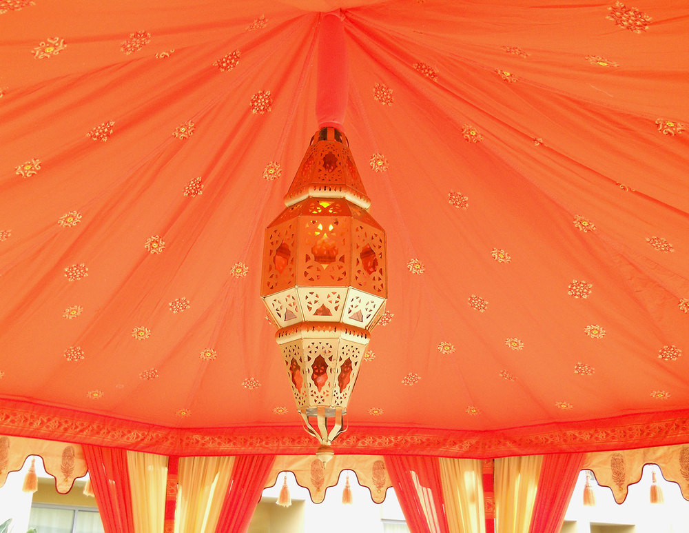 raj-tents-lighting-glowing-moroccan-lamp.jpg