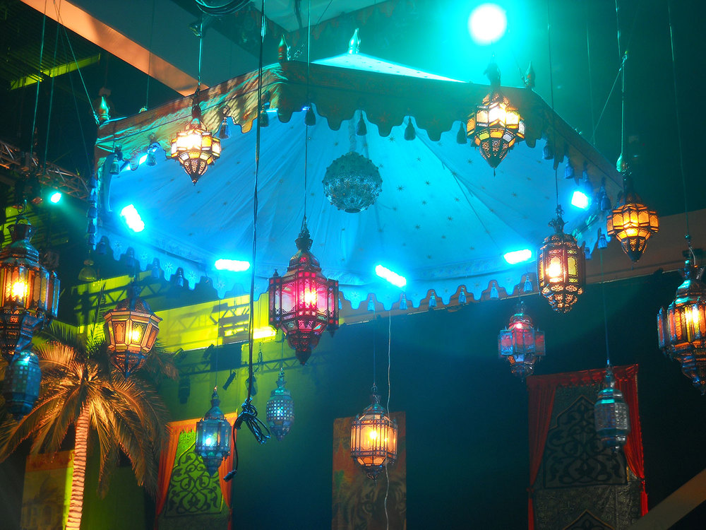 raj-tents-lighting-many-hanging-lamp-canopy.jpg