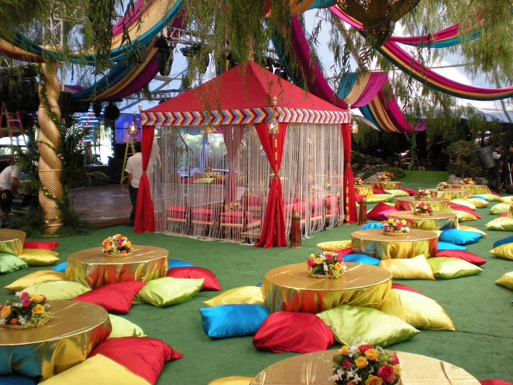 Raj tents luxury tent rentals los angeles moroccan for Arabian nights decoration ideas