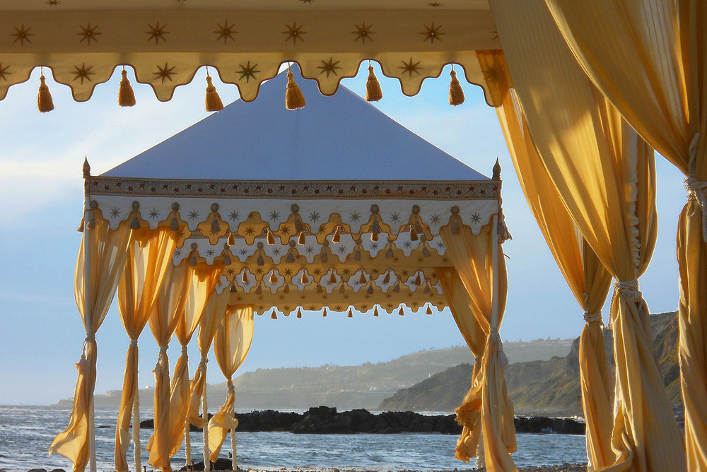 raj-tents-beach-chic-theme-gold-beach.jpg